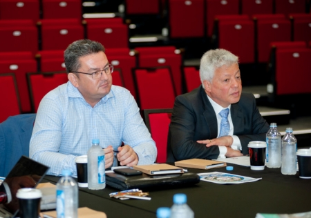 Sydney Hills Chamber, Nidel Rayner, left, withTony Merhi, CEO and owner of Merc Capital at the recent Access News Australia Hills Round Table held with Hills Shire Council.
