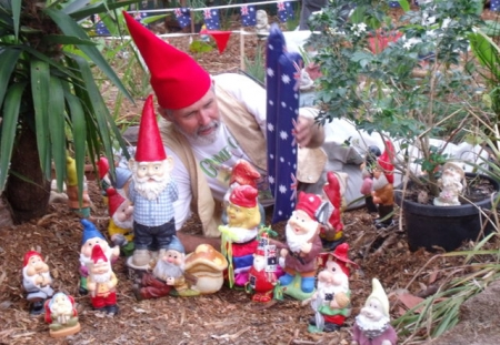 Gnomes discuss their planning issues with Gnome Master David Cook.