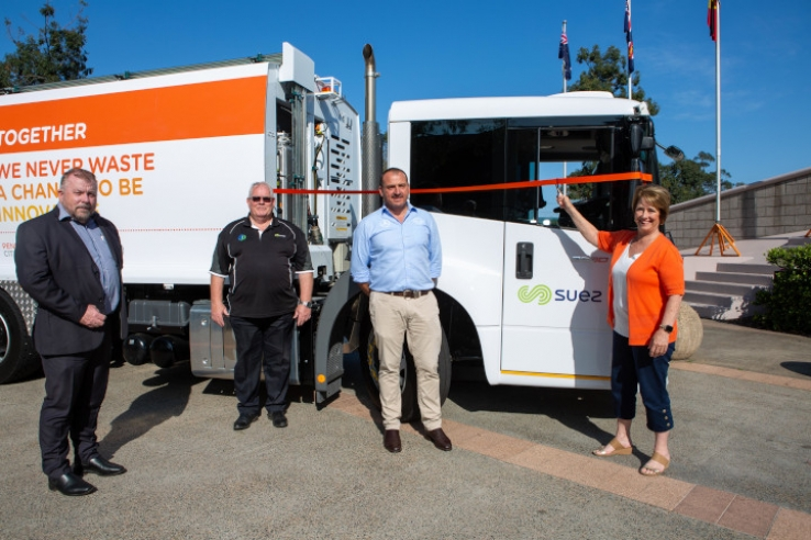 (L to R) General Manager Stillwell Trucks Mark Reynolds, SUEZ Collections Residential Manager Mark Muttdon, Sales Manager Mercedes-Benz Stillwell Trucks Shane Boag and Penrith Mayor Karen McKeown OAM cut the ribbon for the new smart waste collection vehicle.